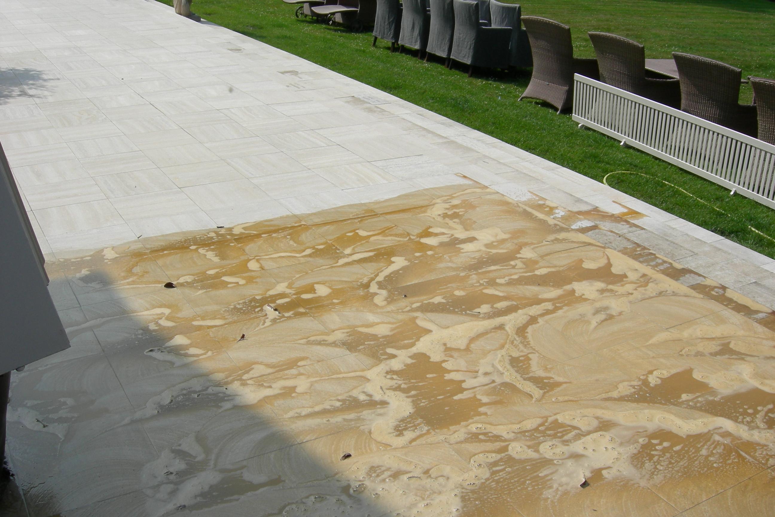 Buiten terras reinigen renomarmer natuursteen renovatie en onderhoud for Buiten terras